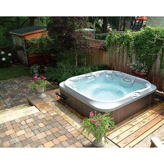 garden-jacuzzi-hot-tub.jpg