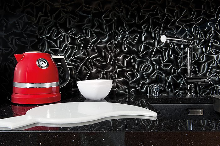 3d-mazu-silver-silk-kitchen-red-kettle.jpg